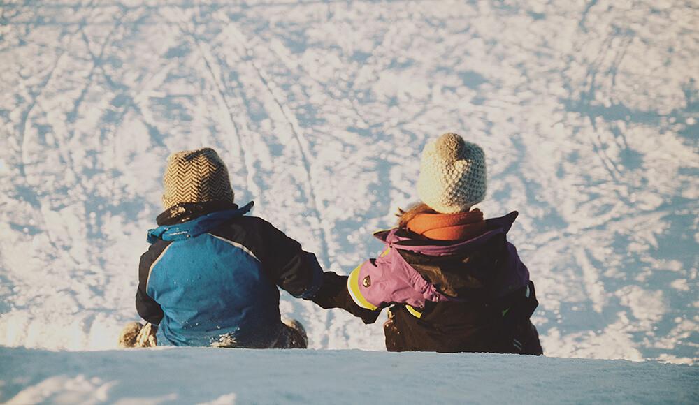 deca na snegu
